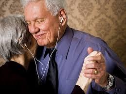 คนแก่ฟังเพลง