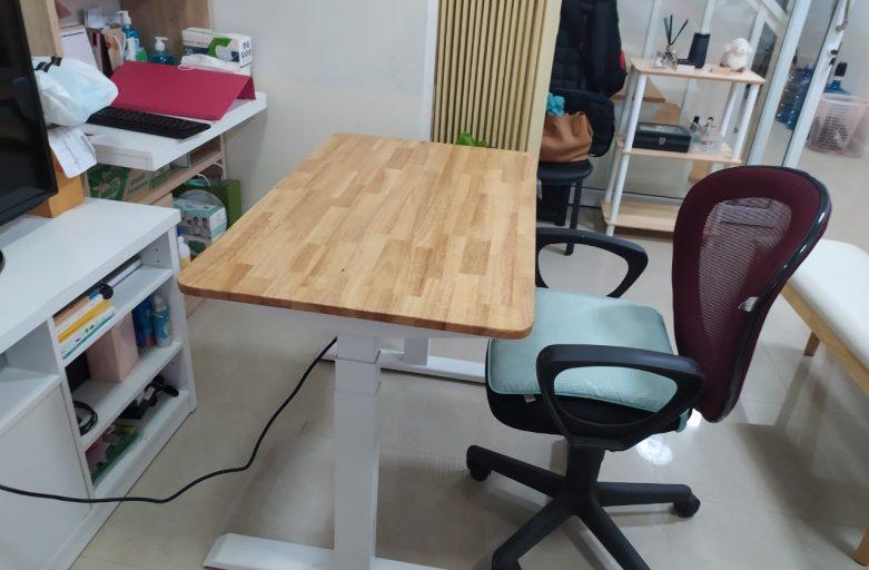 Ergolife คุณพรรณวิภา Raise3 โต๊ะทำงานปรับระดับได้