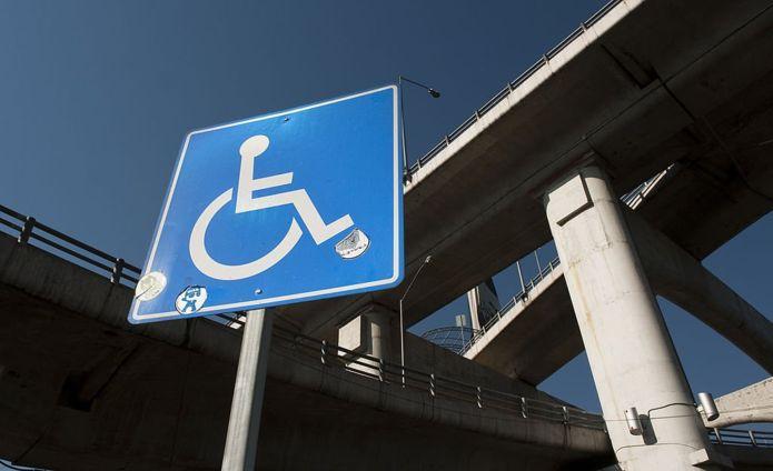 นักข่าววีลแชร์: สาวน้อยนักสู้เพื่อสิทธิของผู้พิการ