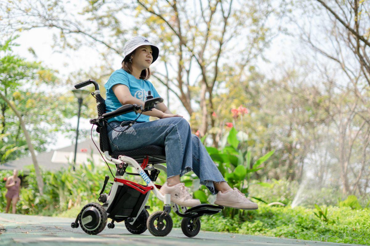 รวมวีลแชร์ไฟฟ้าท่องเที่ยวสำหรับผู้สูงอายุ ราคาดี มีรีวิว (เกรดพรีเมียม)